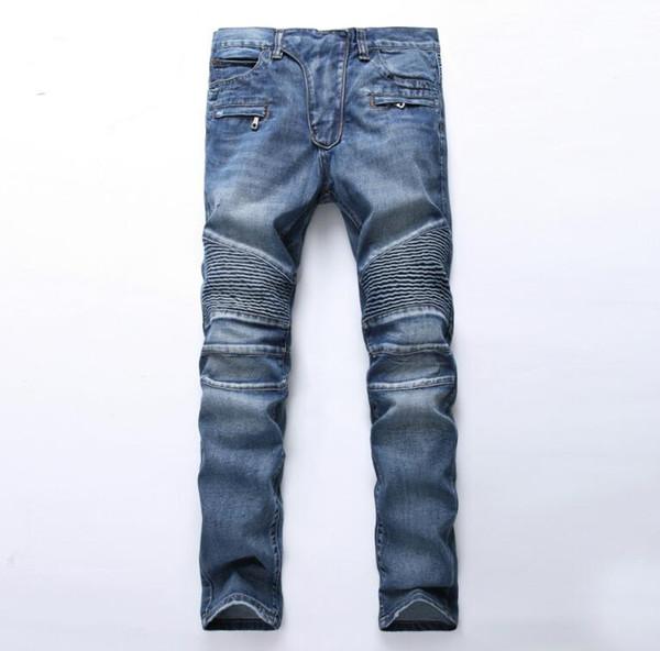 Estilo famoso de los hombres de la marca. Pantalones vaqueros de mezclilla. Pantalones de mezclilla rectos con estampado de cremallera. Pantalones vaqueros con orificios azules para hombres.