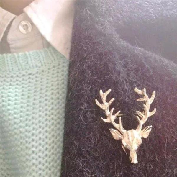 2019 Yeni moda Sıcak satış Unisex Hayvan Noel Noel Popüler Sevimli Altın Kaplama Geyik Boynuzları Kafa Pin Broş Styling Takı