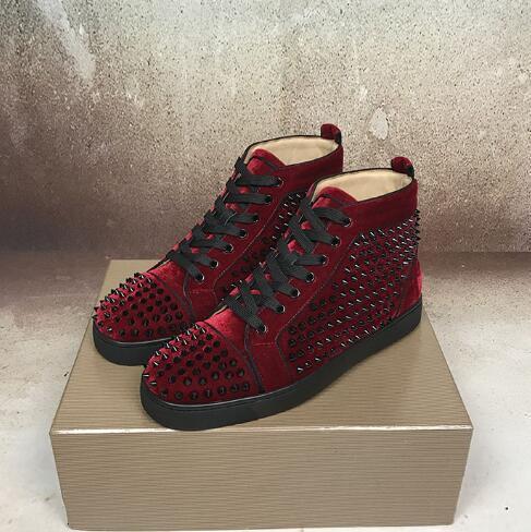 2019 spikes Hi Top Studded Spikes Flats Casual parte inferior vermelha de Luxo Shoes New para homens e mulheres partido Designer amantes Sapatilhas de couro genuíno