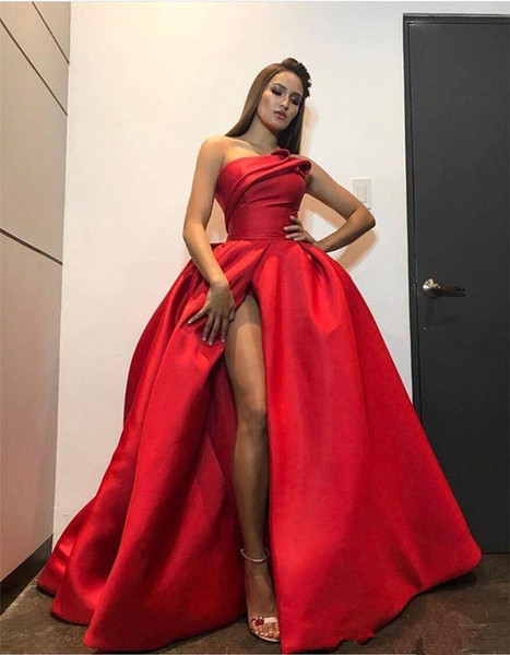 2019 Мода Красный Плюс Размер Вечерние платья Sexy High Раздельное без бретелек бальное платье Backless этаж Длина знаменитости Pageant платья