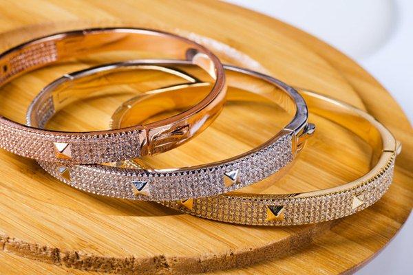 роскошь дизайнер медные ювелирные изделия циркон заклепки браслет, мода женщин браслет кристалл небольшой пирамиды шпилька очарование для женских подарков