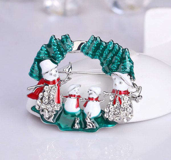 Christmas Gift Snowman Brooch Crystal Diamond Corsages Luxury Design Brooches Cute Pins High Quality Alloy Rhinestone Scarf Clips
