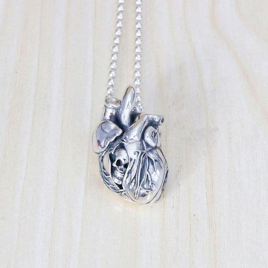 925 Silver Heart Hanging Skull Hanging New Year Gothic Personality Rock and Roll Necklace Sweater Chain Hanging