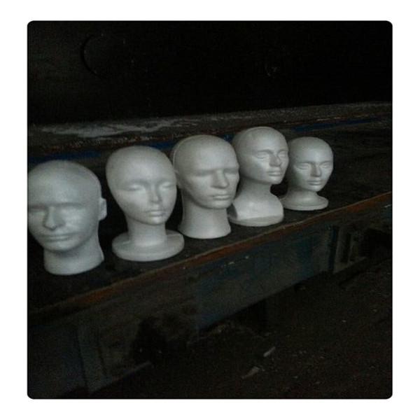 Neutrale Kopf Schaufensterpuppe Praktische männliche und weibliche Schaufensterpuppe Perücken Brille Kappe Display Halter Stand Modell