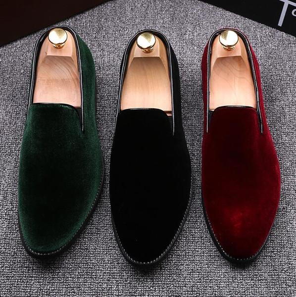 nuevos hombres de moda los zapatos del diseñador de moda de terciopelo mocasines de los zapatos de cuero formal de los hombres se deslizan en los zapatos perezosos homme persona chaussure masculino N91