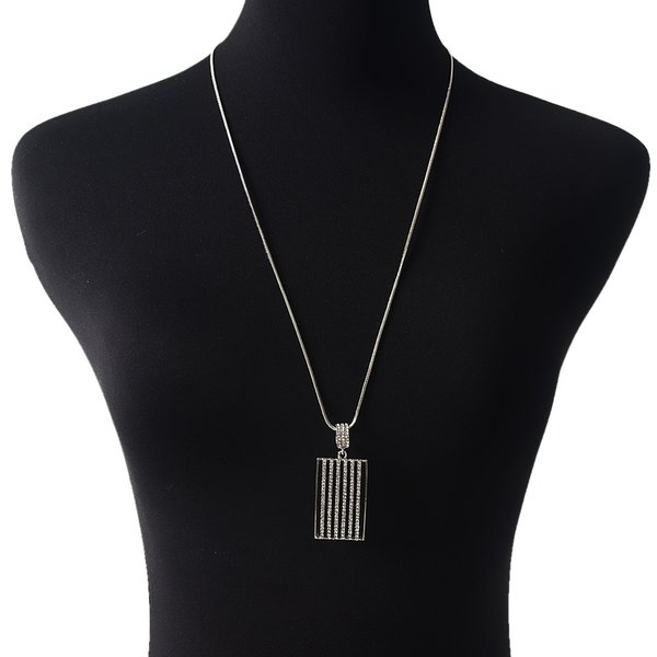 Nouveau Mode Simple Rectangle Diamant Long Collier Femmes Alliage Strass Rectangulaire Diamant Long Collier Parti Cadeaux