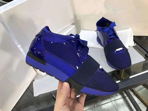 2019New baskets en cuir noir Top Quality Designer Low Top femmes Chaussures Casual Kanye West Style Course Runner Maille Respirant Appartements
