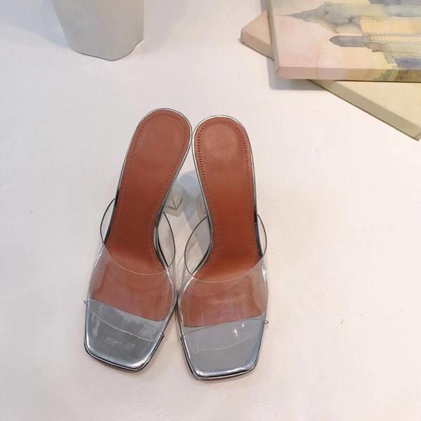 2019 El más nuevo zapatilla transparente Mujer Bombea Hebilla Sandalias Sexy zapatos de tacones altos Celebrity Wearing Estilo Simple PVC Transparente Transparente Strapp