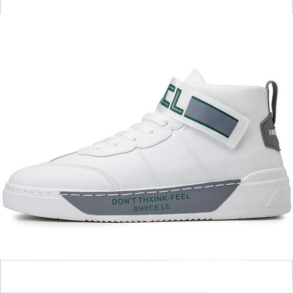 Fashion Trend Kanye stile degli alti uomini Scarpe Autunno Inverno Miglior Outfit durevole permeabile all'aria Moda Tripla Mens giornalieri Casual Shoes