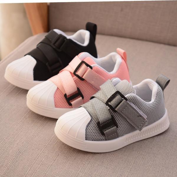 Soft-Anti-Rutsch-Kleinkind 1 bis 3 Jahre altes Baby Jungen und Mädchen Sport-Qualitäts-Freizeitschuhe gehen zuerst Q190525