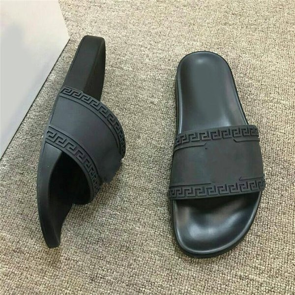 2019 New Europe Brand Fashion Head Logo Design mens slippers sandals black causal Non-slip summer huaraches flip flops slipper BEST QUALITY