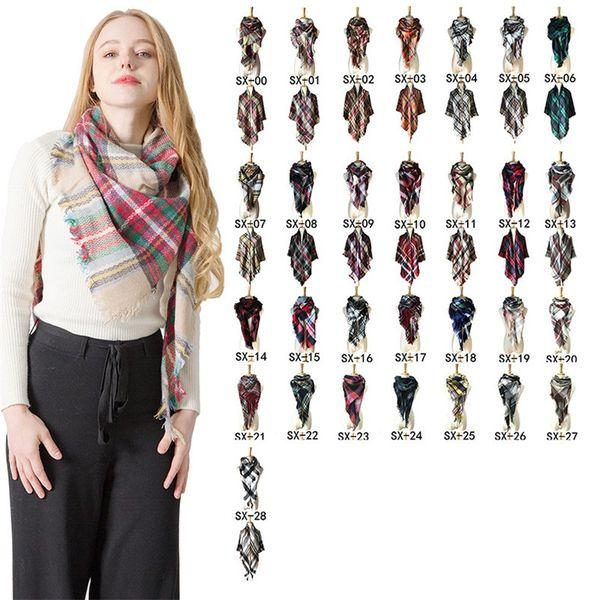2019 Invierno triángulo Bufanda Tartán Bufanda de cachemira Mujer Manta a cuadros Bufanda Nuevo diseñador Acrílico Chales básicos Bufandas de mujer Abrigos ST632