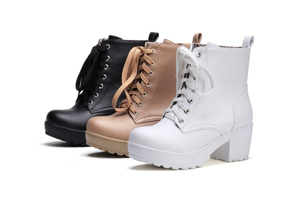 fashion department of thick bottom with low boots with white contracted small short boots big yards of shoes