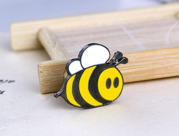 2019 new Fashion Cute Happy Bumblebee Honey Bee Hat Lapel Pins Enamel Pin Decoration For Clothes And Bags Lapel Pin Badge