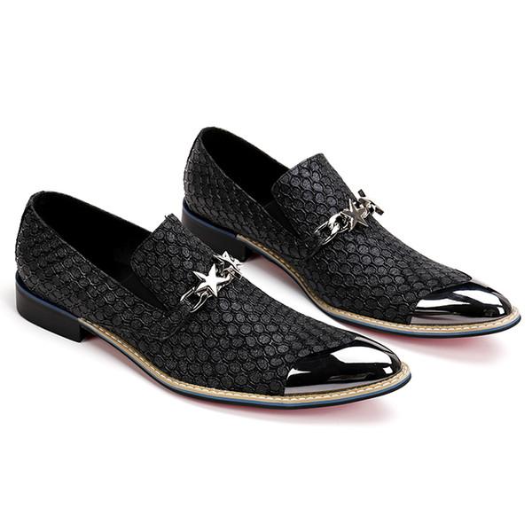 2019 nuevo estilo Mocasines de cuero genuino Hombres zapatos de cuero Pisos de hombres Hombres Punta de metal Zapatos de boda otoño trajes de esmoquin masculino oxford