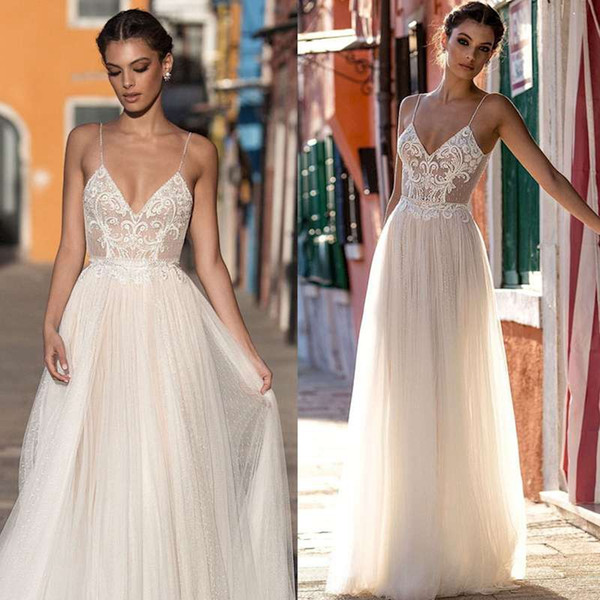 Amazing Evening Dresses 2019 A-Line Lace Applique Berta Bohemian Spaghetti Straps V-Neck Backless EveningGown Custom Made Floor Length