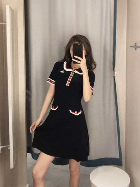2019 Designer Women's Dress Brand Fashion Summer Clothing with Luxury Bee Embroidery Ruffled Brief Style GG Button Black and White Wholesale