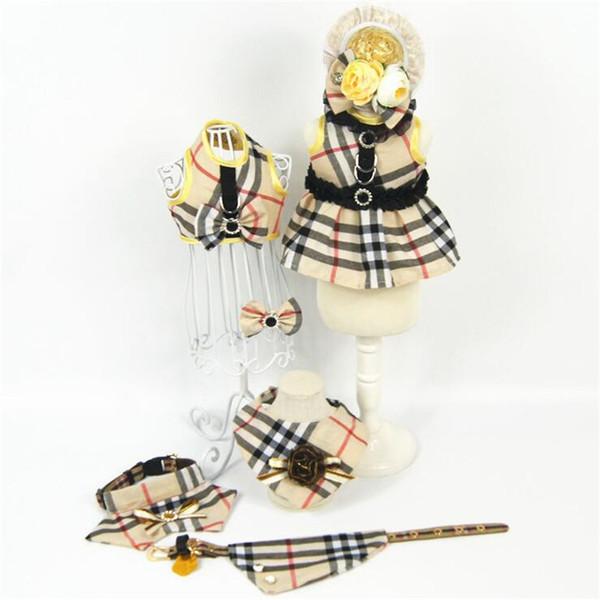 Classique Plaid Belle Animaux Colliers Bavettes Personnalité Marque Animaux Arc Pinces À Cheveux En Plein Air Rue À La Mode Animaux Chats Chiens Chapeaux Accessoires