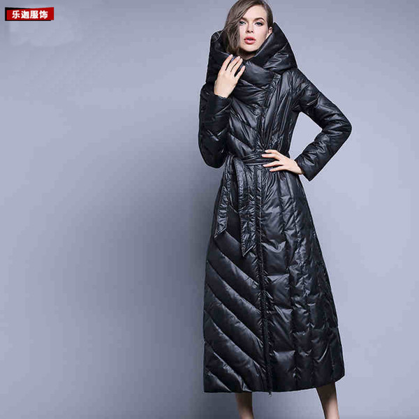 Incappucciati di inverno giù ricopre il rivestimento caldo lungo Slim donne in cotone imbottito Casaco Moda imbottito parka Outwear con cintura Plug