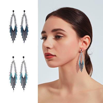 Pendientes de la borla de los Rhinestones Moda Brillante Colgante Largo Oído Personalidad Diamante Insertar Brillante Stud 2 Colores Mujeres Joyería