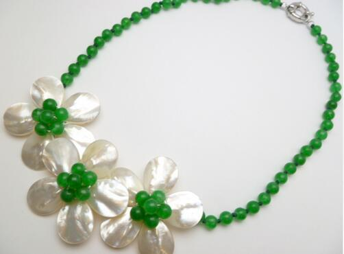 Fashion jewelry 3 white mother of pearl shell green flower beaded necklace
