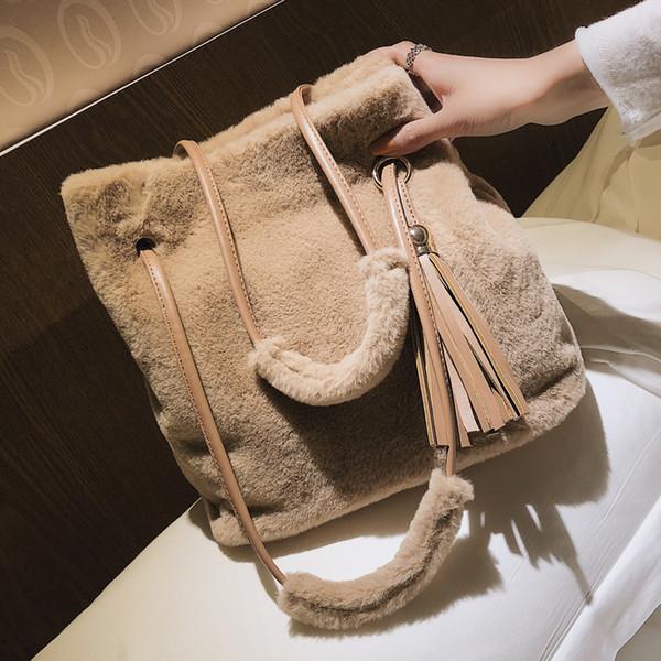 Winter Fashion New Female Bucket Bag 2019 Quality Soft Plush Women's Designer Handbag Ladies Tassel Tote Handbag Shoulder Bags