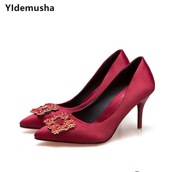 Sapatos de vestido Yidemusha 2019 Mulheres Bombas Flock Vermelho Slip-on Shallow Festa de Casamento Dedo Apontado Sapatos de Salto Alto Sola Macia Chaussures Femme