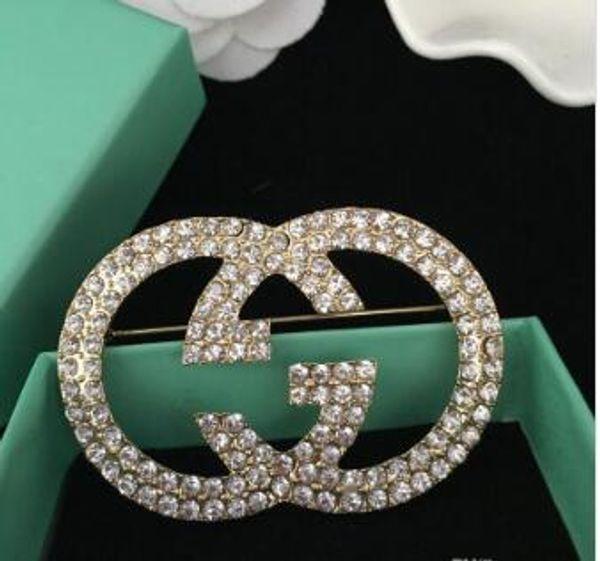 Designer di lusso degli uomini Pins Spille Donne placcato oro Lettera Spilla Pin per il vestito Abito Pins per la bella festa regalo per gli amici AA22