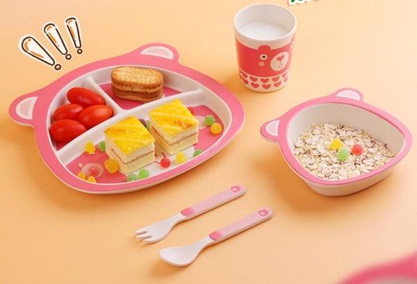 La fibra de bambú plato cubiertos ardilla de la historieta de plato de comida conjunto cuchara tenedor taza de agua de los niños de cinco años
