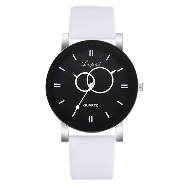 Cadeau de montre de poignet de quartz de bande de faux cuir simple de cadran rond analogique de grandes femmes