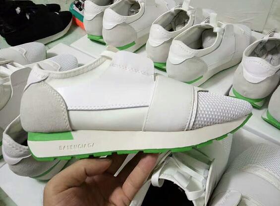 2017 mode italienne nouveaux hommes et femmes occasionnels chaussures de plein air designer patchwork mixte couleur maille dentelle confortable mâle entraîneur chaussures de marche