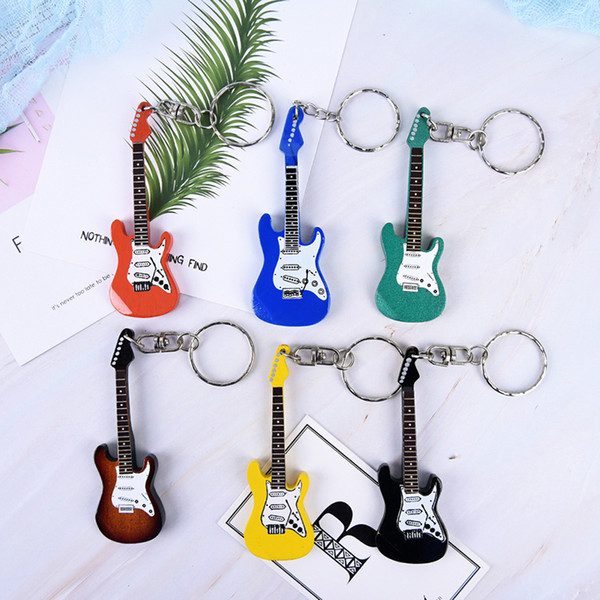 New Design Classic Guitar Keychain Car Key Chain Key Ring Musical Instruments Wooden Pendant For Man Women Gift Wholesale