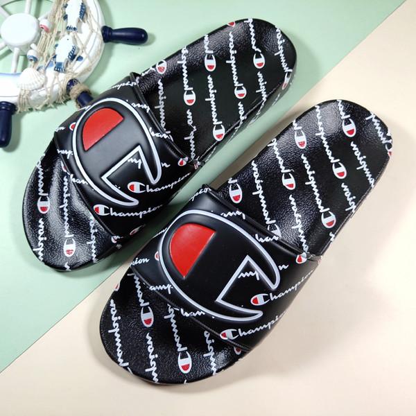Nueva llegada de los campeones 2019 Flip-flop para zapatillas de moda de buena calidad Hombres Mujeres Verano Zapatillas de playa Negro Rojo Casual Sandalias Con caja