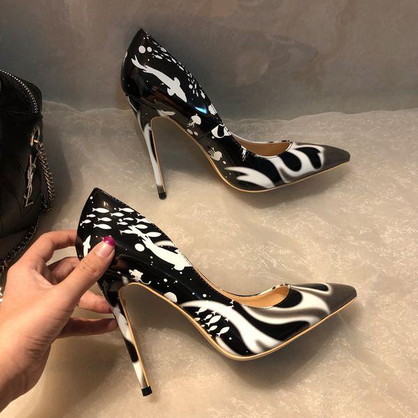 Ücretsiz Kargo kadın bayan kadın 2019ss moda siyah Rugan Poined Ayak parmakları Düğün topuk Stiletto Yüksek Topuklar ayakkabı bot 12cm 10cm pompalar