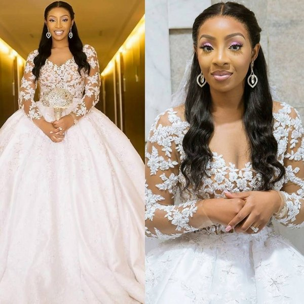 Arabic Middle East Ball Gown Wedding Dresses Sheer V-neck Long Sleeves Lace Appliques Button Back Long Vestidos Bridal Gowns