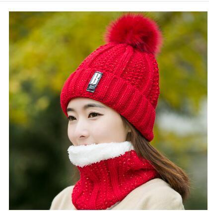 red Hat bib set