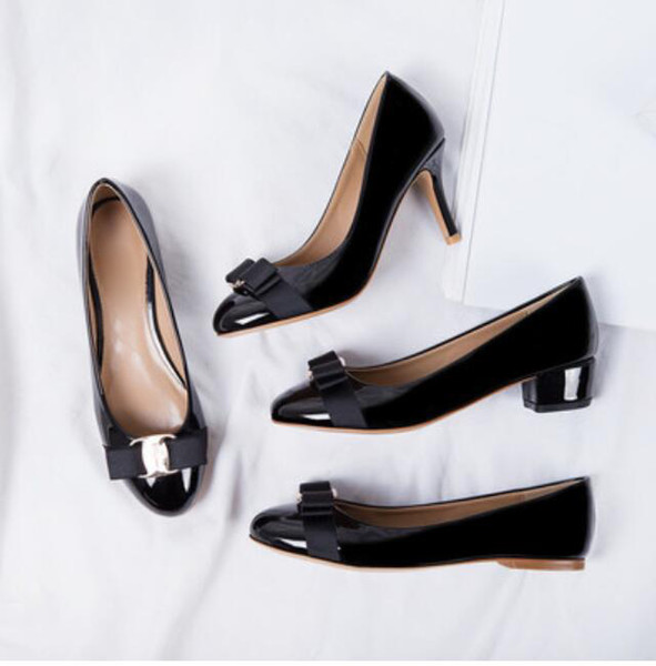 Low price Newest Women Flats Brand Genuine Leather Ballet Shoes Woman Patent leather Bow Tie Designer Flats Ladies Zapatos Mujer Sapato Femi