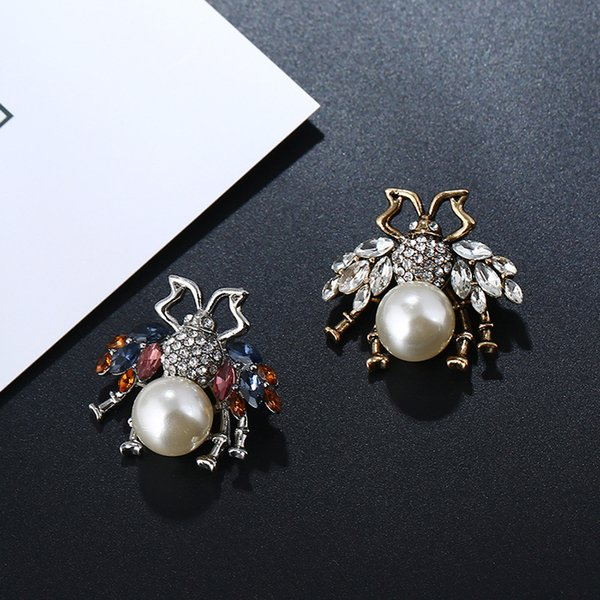 New Designer Brooches Lovely Bee Pins Crystals Pearls Pins Accessories For Women Mmens Clothes Costume Brooches Trendy Jewelry Lover Gift