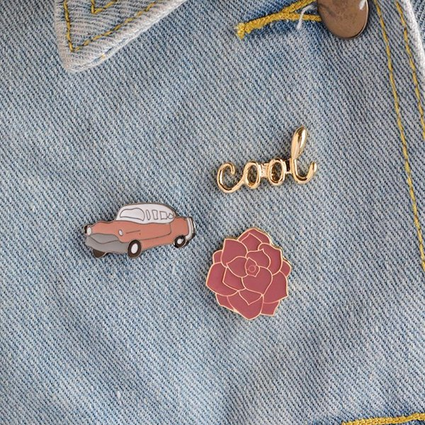 USpecial Cool Rose Flower Car Brooch Pins Button Vintage Enamel Brooches for Women Men Jean Bag Jacket Collar Badge Fashion Jewelry