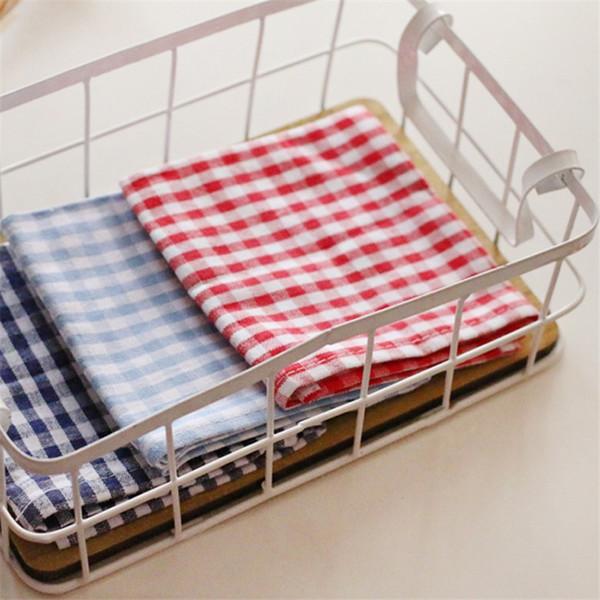 Peu pur et frais tapis d'isolation thermique résistant à l'huile de tapis alimentaire en tissu de serviette de grille classique occidentale, serviette de thé tasse serviette 3 couleurs