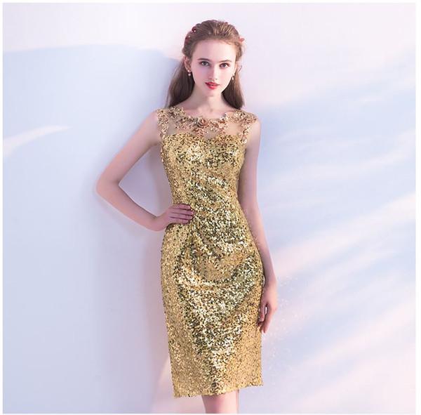 Compre Nuevos Vestidos De Noche 2018 Cortos Cortos De Oro Delgado Vestidos De Dama De Honor Con Segmentos De Flores Ventas Directas De Fábrica