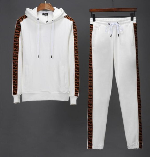Felpa di alta gamma Felpe Felpe Uomo Felpe con cappuccio T-shirt Abbigliamento Tute da uomo Giacche Completi sportivi Tute da jogging Cappuccio