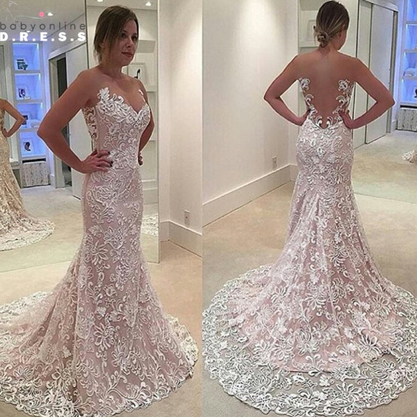 Abiti da sposa in pizzo di moda Designer Design Sirena Cut Out Back cappella treno Ruffles abiti da sposa economici di buona qualità
