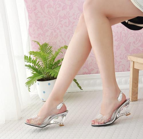 Wholesale-Free 2019 Shipping Fashion Sexy Chaussure Shoes Glass Slippers Jelly Shoes transparent crystal Sandal Peep Toes wedges sandals