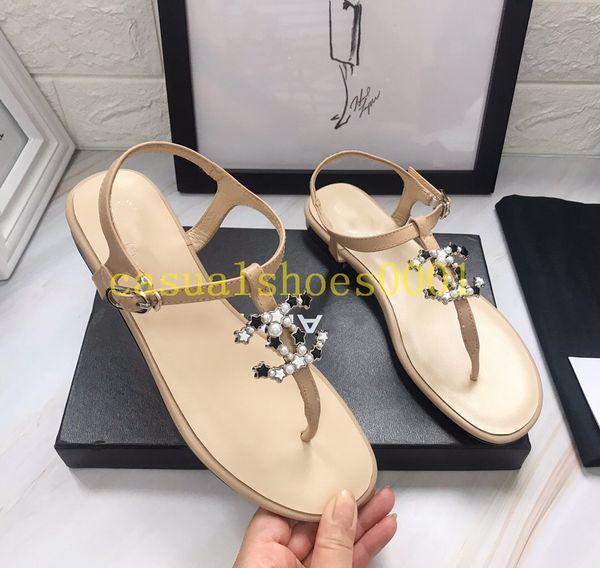 best selling 2019 TOP Women Sandals big size Designer Shoe Luxury flip flops sandals Summer Fashion Wide Flat Slippery With Sandals Slipper flip flops