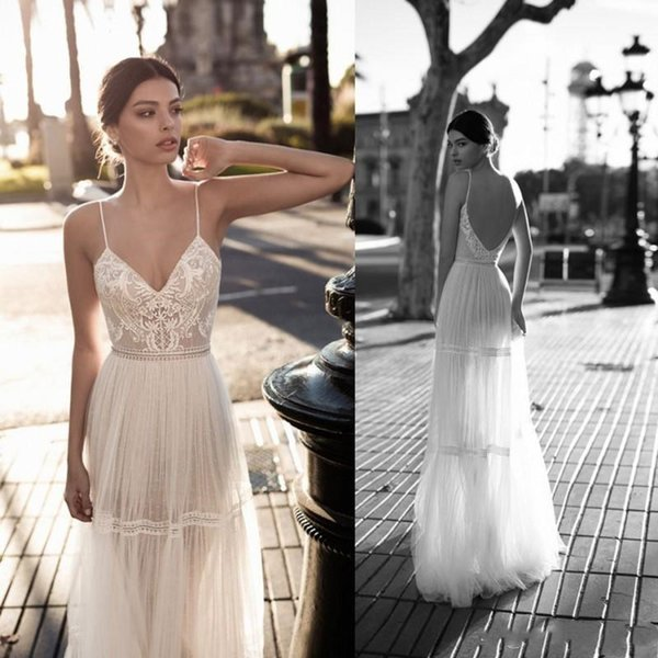 2019 Sexy Backless A line Wedding Dress Spaghetti Straps V-Neck Sleeveless Appliques Tulle Collar Empire Illusion Floor Length Dresses