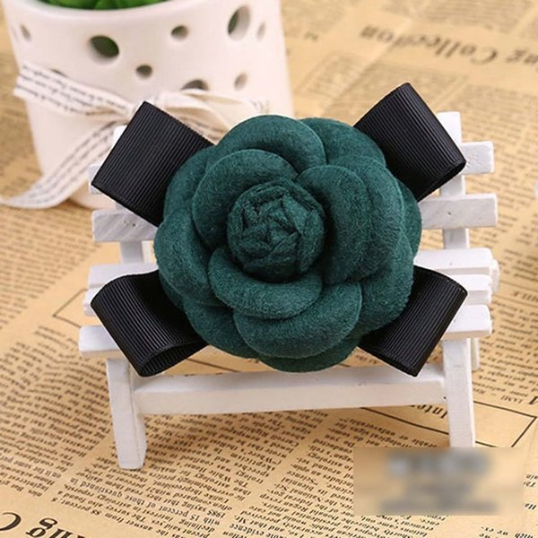 Dark green Wool