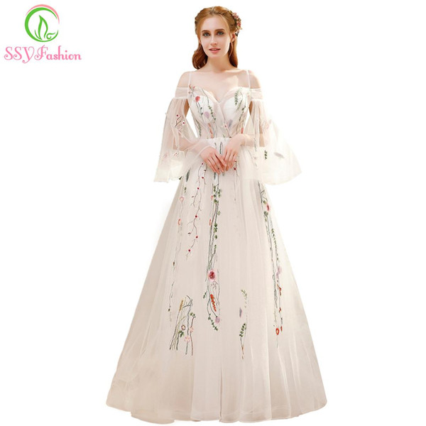 wholesale Summer New Fresh Long Prom Dress White Lace Embroidery Speaker Sleeves Sweep Train Romantic Banquet Party Formal