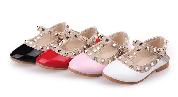 2019 NOUVELLES été enfants filles bébé sandales chaussures princesse chaussures en cuir tendon fin rivet chaussures pour enfants. Livraison gratuite