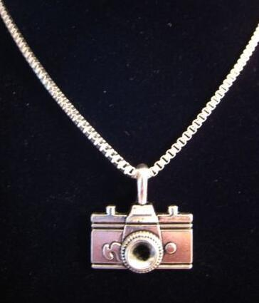 Vintage Silver Charms Fashion Camera Necklace Pendant Collar Box Chain Choker Necklace Exquisite Jewelry Women Gifts DIY Accessories